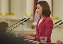 Президент Молдавии Майя Санду заявила, что парламент должен внести поправки в конституцию республики, позволяющие переименовать государственный язык с молдавского на румынский