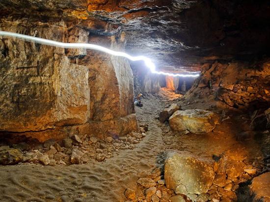 Экскурсоводы предлагают другие маршруты, а «нелегалы» проникают в подземелье, несмотря на запрет