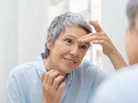 В Стэнфорде выявили три этапа старения кожи