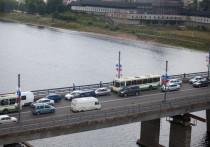 Маршруты городских автобусов изменятся во время реконструкции моста в Пскове
