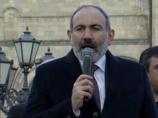 Протестующие прогнали Пашиняна из самого южного города Армении