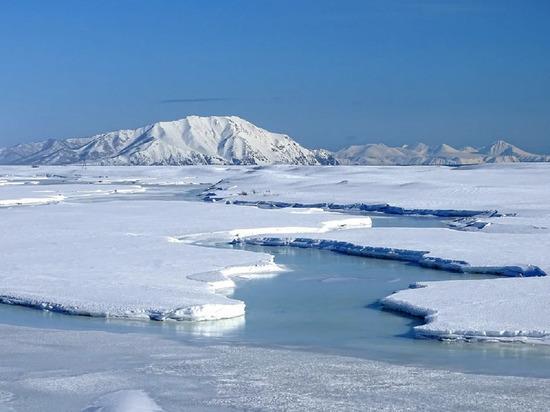 Следователи напомнили жителям Ямала об опасности весеннего льда на водоемах