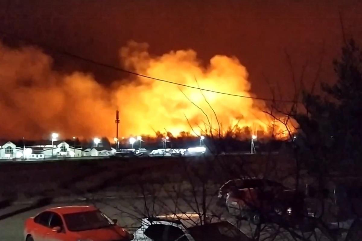 Из-за пала травы в Костромской области сгорели пять дач