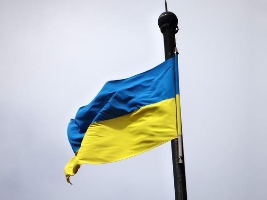 Объявленный персоной нон грата российский дипломат покинул Украину