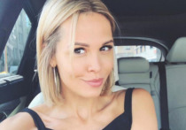 Российская актриса театра и кино Мария Горбань опубликовала на своей странице в Instagram видео, в котором танцует во время фотосессии топлес
