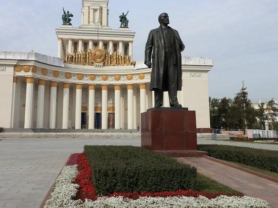 Ильич продолжает быть «живее всех живых» в самых разных вариантах