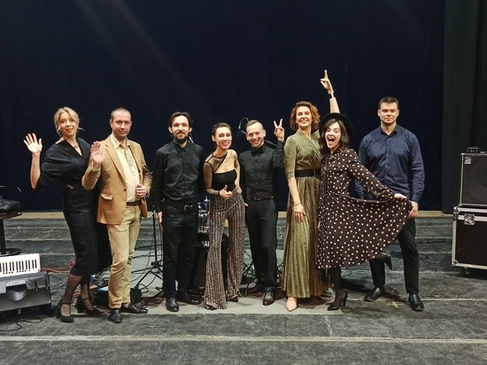 В Кирове джаз-группа группа EL TANGO замахнулась стихи Ахматовой