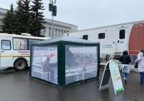 В Кирове привиться от COVID-19 приглашают в центр города и в ЦУМ