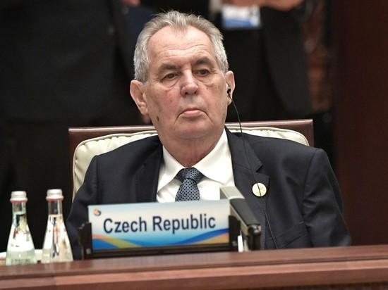 Чехия поставила России ультиматум после обвинений российских спецслужб во взрыве военных складов во Врбетице, пригрозив выслать еще большее количество российских дипломатов из Праги, если РФ не вернет высланных чешских дипработников