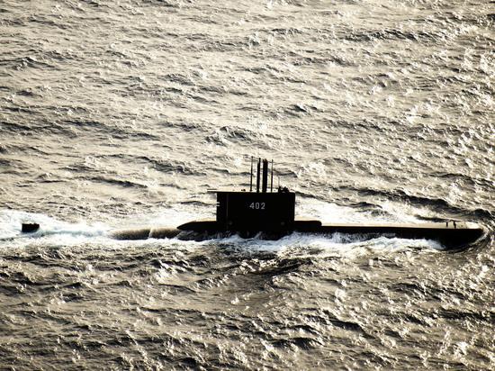 Субмарина может лежать на глубине 700 метров