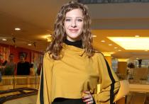Звезда сериала «Папины дочки» Лиза Арзамасова призвала своих подписчиц отказаться от навязанных стандартов красоты