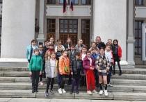 Донецкий театр пригласил в гости лицеистов