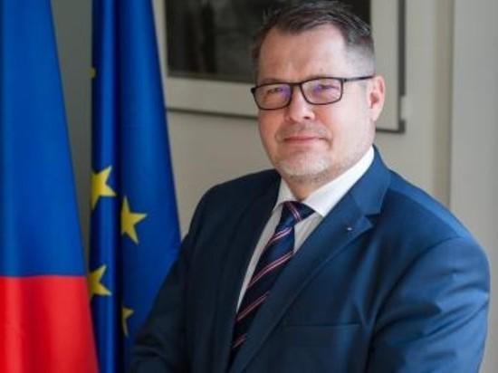 Посол Чехии заявил, что продолжает работу в Москве