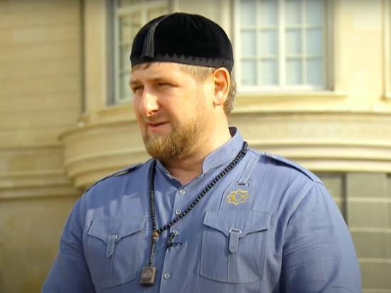 Глава Чечни Рамзан Кадыров прокомментировал боксерский поединок с участием его сына Адама, во время которого рефери внезапно остановил бой и присудил победу Адаму