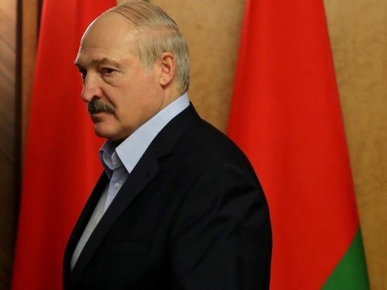 Лукашенко вылетел обратно в Минск