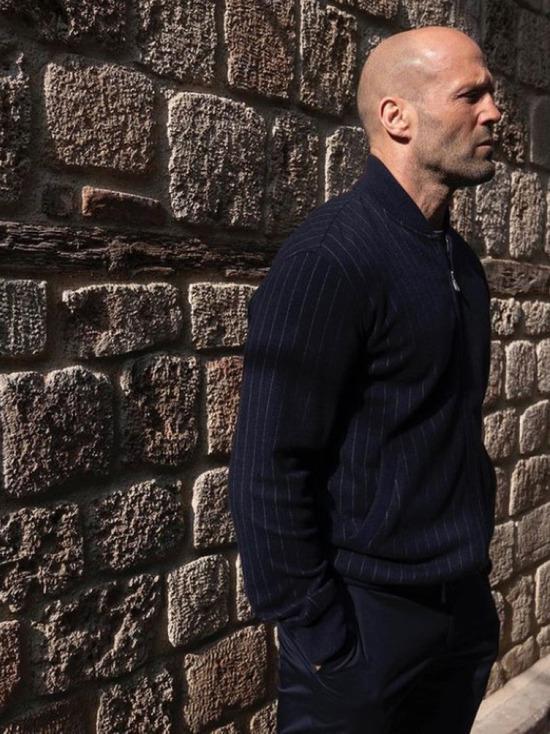 Стэтхем польщен появлением своего портрета на заборе в России
