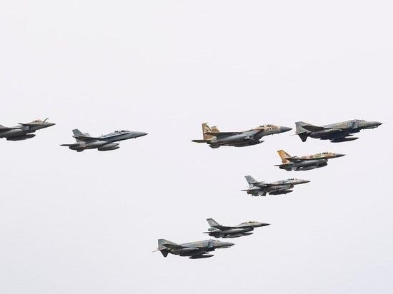 Истребители Израиля и ОАЭ впервые прошли в едином строю
