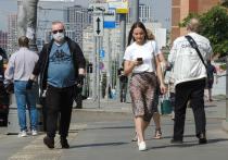 По мере становящейся все более массовой вакцинации от коронавируса и приближения теплых деньков все чаще раздаются вопросы о целесообразности ношения масок на улицах и прочих открытых пространствах