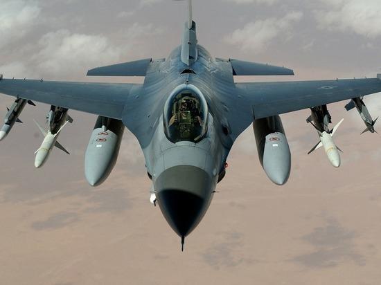 Американские истребители сопровождали полет противолодочных самолетов РФ