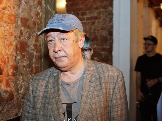 Адвокат Ефремова: актера освобождают от работ в колонии, когда ему плохо