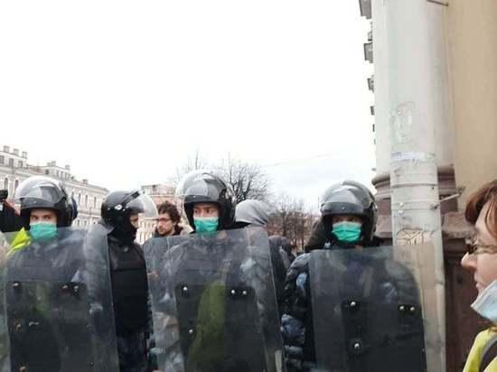 Вдова автора Печального ангела Романа Шустрова рассказала, как полиция била ее шокером