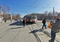 Два трамвая столкнулись в центре левобережья Новосибирска