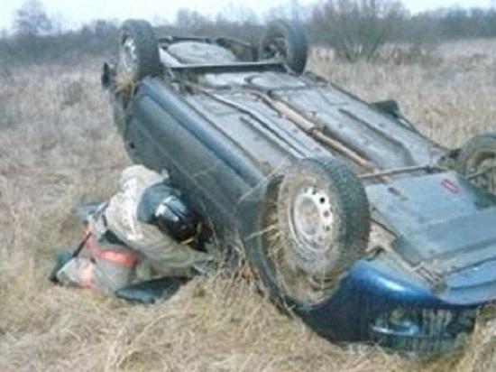 В калмыцком районе при опрокидывании автомобиля пострадала водитель