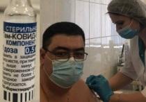 Представители калужского минздрава проходят вакцинацию от covid