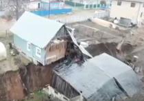 В Кстовском районе Нижегородской области разорвало пополам дом