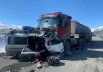 В результате ДТП в Томпонском районе Якутии погибли 4 человека