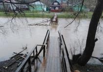 В Тверской области потоком воды смыло новый мост