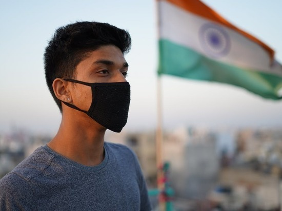 "В Индии заявили о ""коронавирусном шторме"""