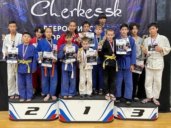 Юные единоборцы Калмыкии завоевали четырнадцать наград