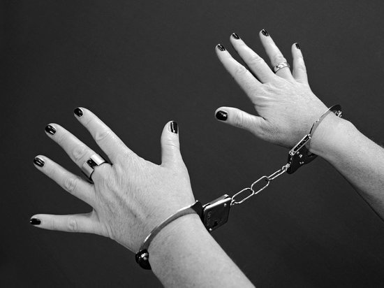 18-летняя псковичка попалась на краже спиртных напитков