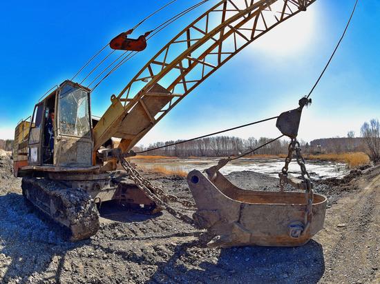 ЧМК продолжает работы по очистке Каштакских прудов