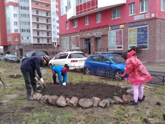 Петербургский нефтяной терминал помог активистам Красносельского района обустроить аллею