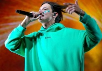 Один из самых известных современных рэперов Тима Белорусских, которого суд в Минске недавно приговорил к двум годам ограничения свободы без направления в исправительное учреждение, выпустил в интернете новый трек «Тебе лучше не знать»