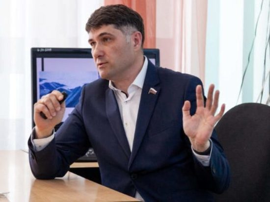 Депутат Госдумы Пушкарев рассказал школьникам Ноябрьска о парламентаризме и политическом процессе