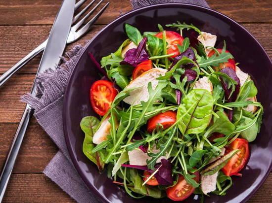 Эксперты рассказали, какие продукты не стоит есть на ужин