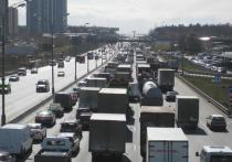 С 5 мая транзитный проезд грузовиков полной массой свыше 3,5 тонны по МКАДу будет запрещен