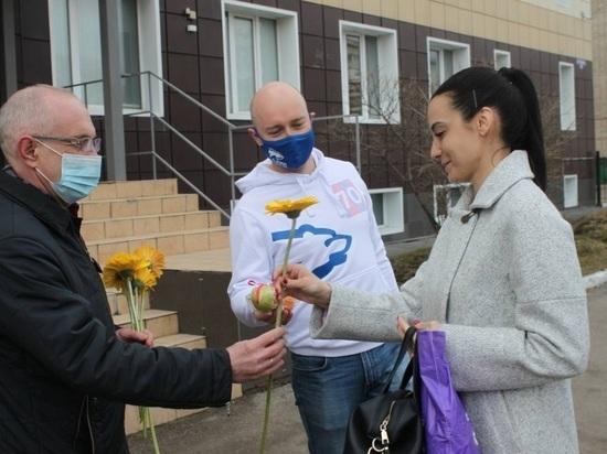 «Единая Россия» поздравила работников скорой помощи с профессиональным праздником в Томске