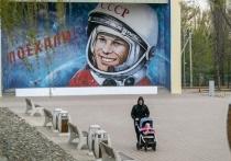 Андрей Бочаров проверил реконструкцию парка Гагарина в Волгограде