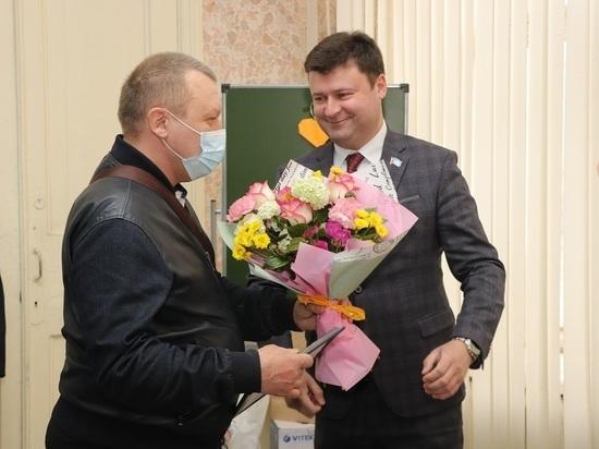 В Калуге работники скорой медпомощи принимают поздравления