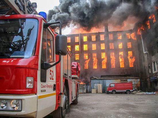 Сгоревшую «Невскую мануфактуру» оштрафовали на 80 тысяч рублей