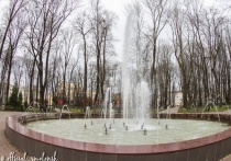 В Смоленске забили фонтаны в центре города