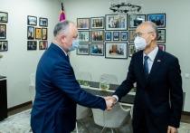 Игорь Додон встретился с послом Китая Чжаном Инхуном