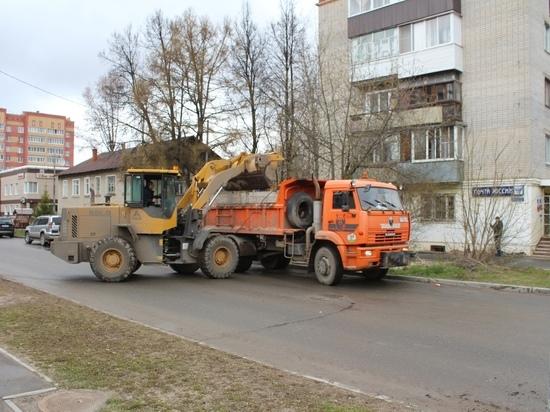 С улиц Йошкар-Олы убрали 90 тонн грязи