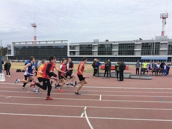 В Челябинске состоялась юбилейная легкоатлетическая эстафета на кубок Главы Калининского района