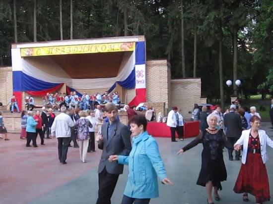 В парке Йошкар-Олы снова играет духовой оркестр