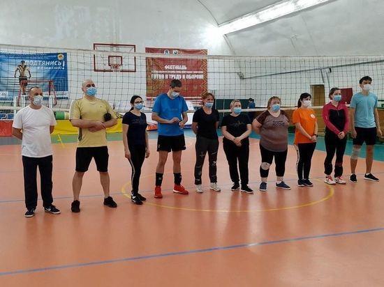 «Золото» на «Кубке Севера» завоевали волейболисты психдиспансера в Салехарде